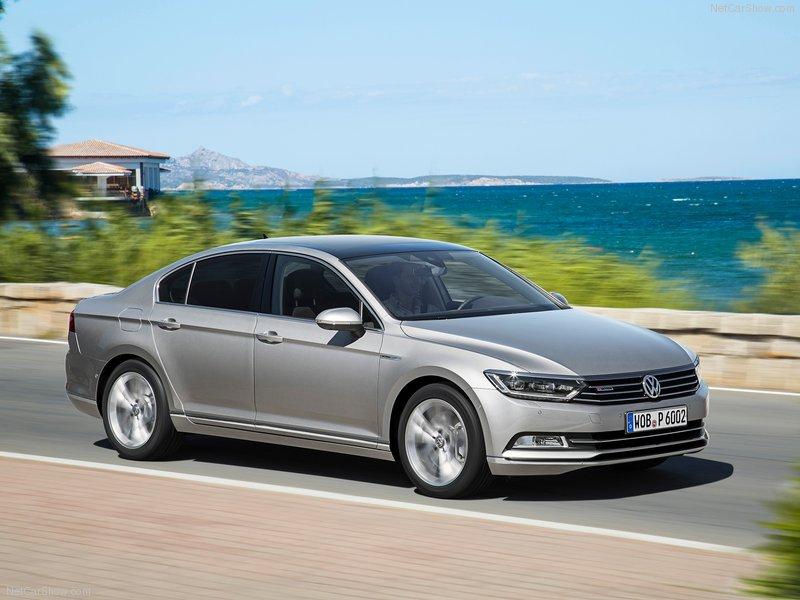 Cần bán Volkswagen Passat GP sản xuất 2016, màu xám, nhập khẩu