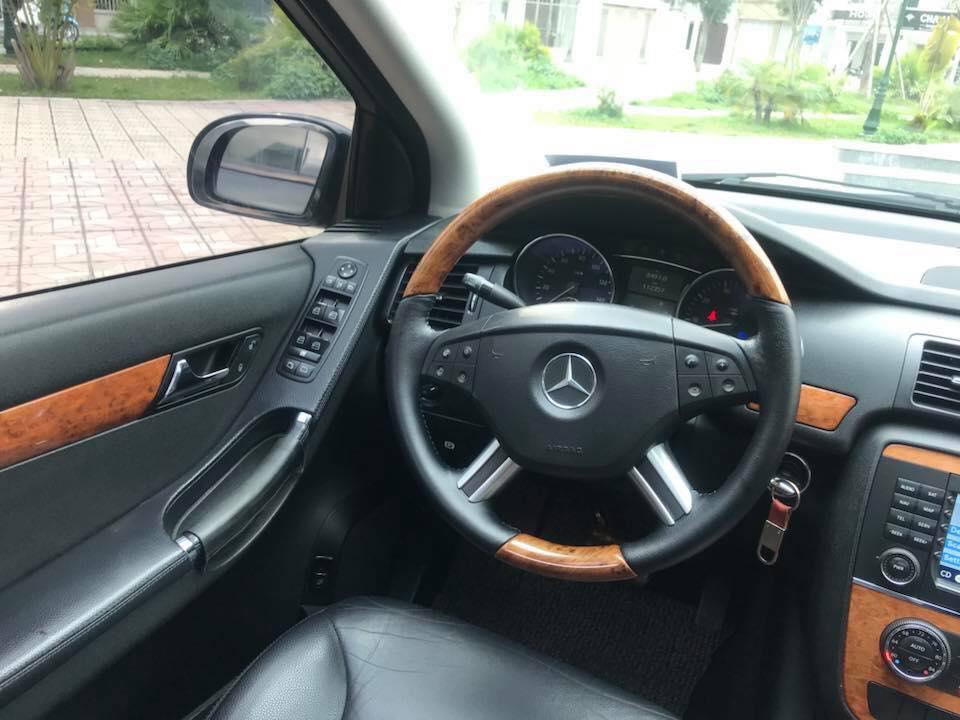 Bán ô tô Mercedes đời 2005, ĐK màu đen, nhập khẩu