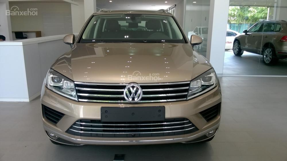 Volkswagen Touareg V6 3.6, giá yêu thương