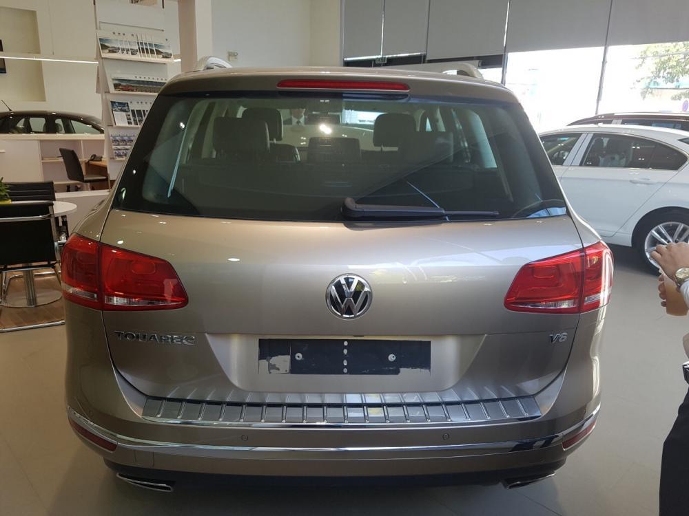 Quãng Ngãi - Bán Volkswagen Touareg SUV cỡ lớn phong cách Châu Âu nhập khẩu chính hãng - LH 0977610684
