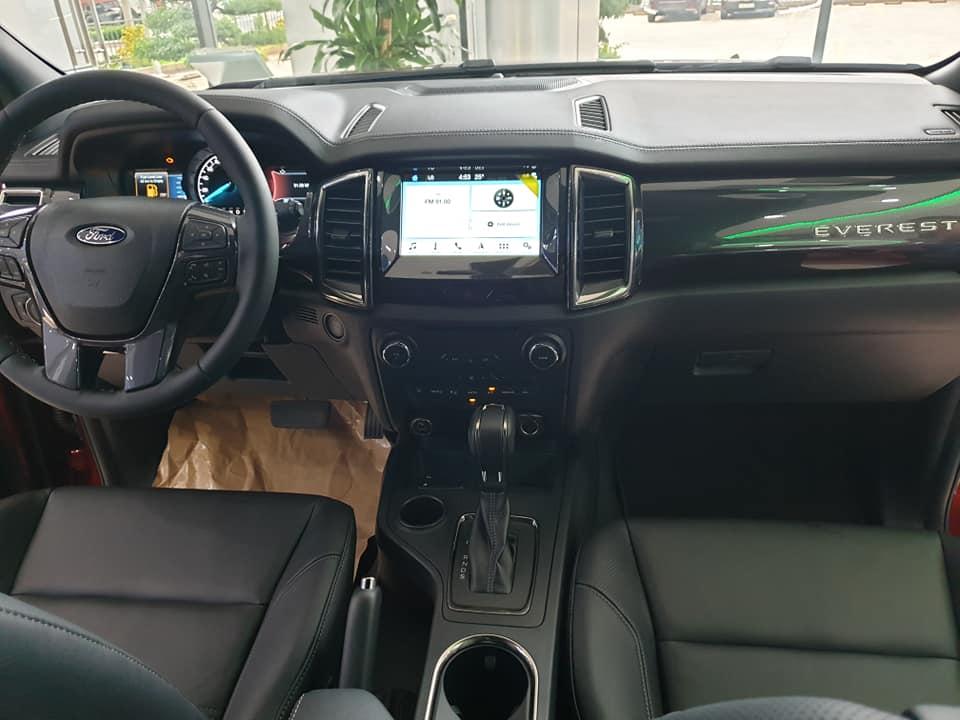 Cần bán xe Ford Everest 2.0L Bi Turbo 4x4 AT năm 2019, màu trắng, nhập khẩu chính hãng