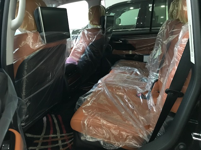 Bán Lexus LX570 Super Sport S 2020 xuất Trung Đông màu đen, nội thất da bò