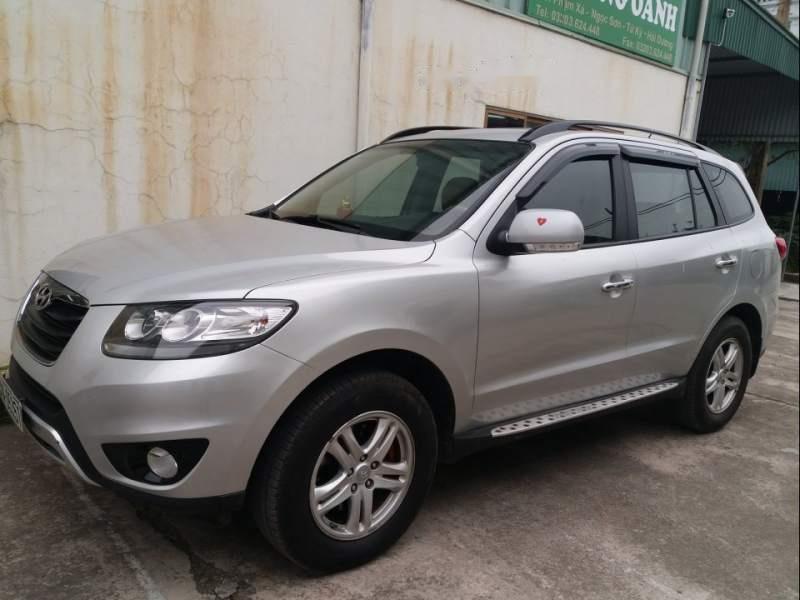 Cần bán gấp Hyundai Santa Fe đời 2011, màu bạc, đăng ký 2012
