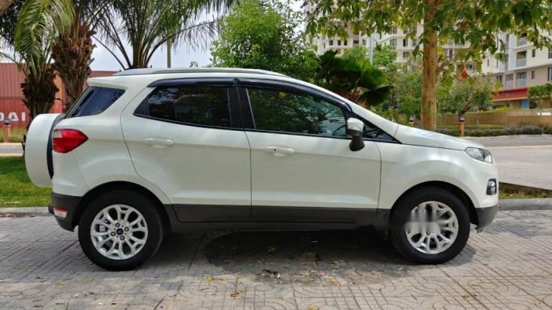 Cần bán Ford EcoSport Titanium sản xuất 2014, màu trắng, 450 triệu