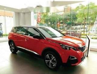 Cần bán xe Peugeot 5008 đời 2019, màu đỏ, mới 100%
