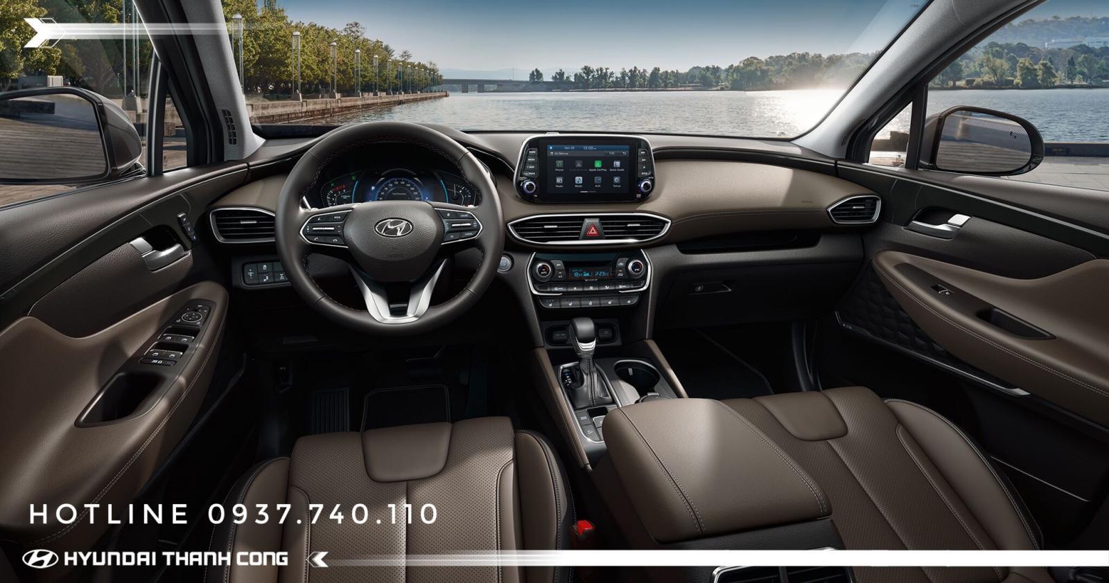 Bán xe Hyundai Santa Fe 2019, màu đen. Xe giao ngay