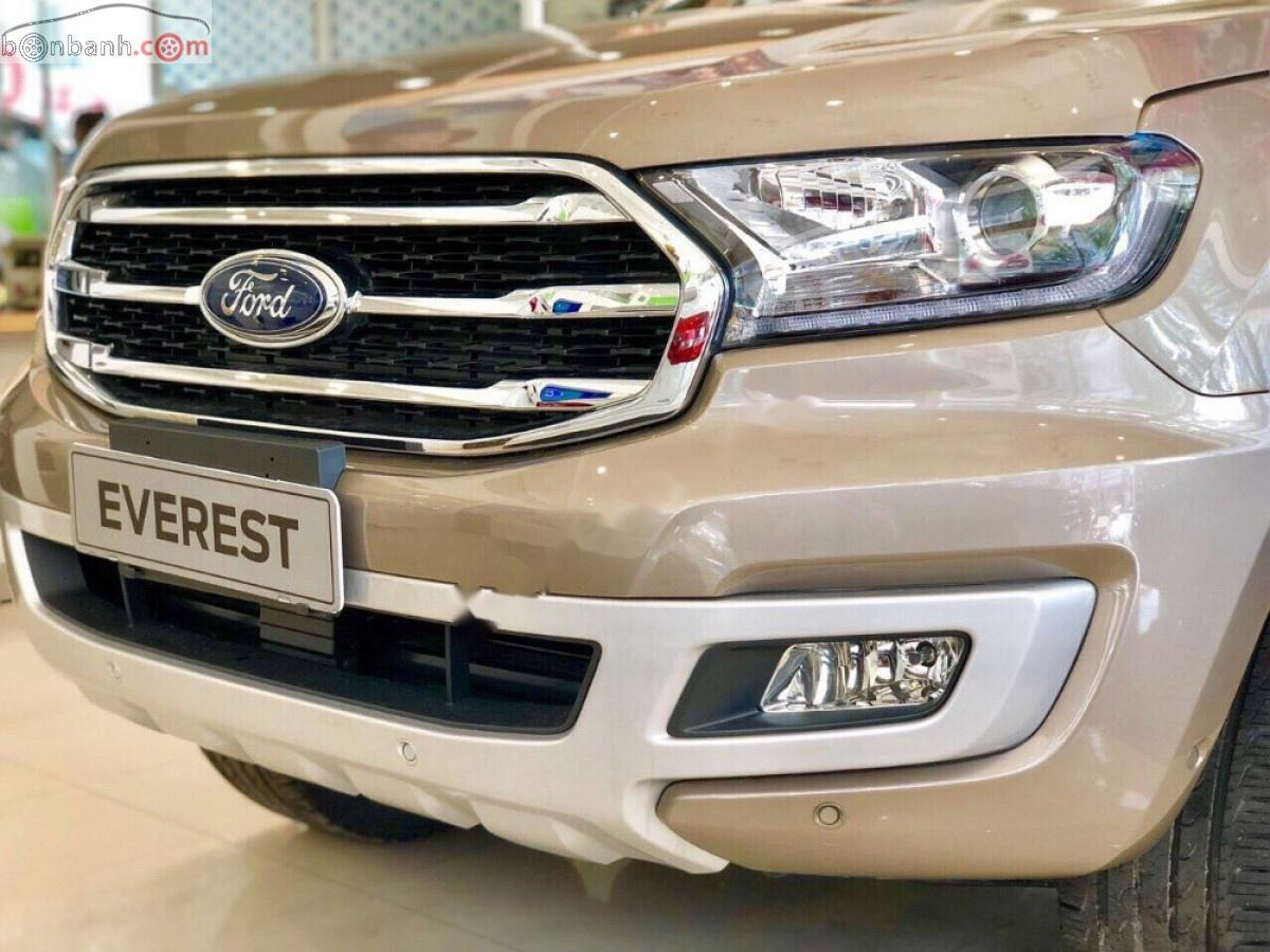 Bán Ford Everest Titanium 2.0L 4x4 AT 2019, nhập khẩu