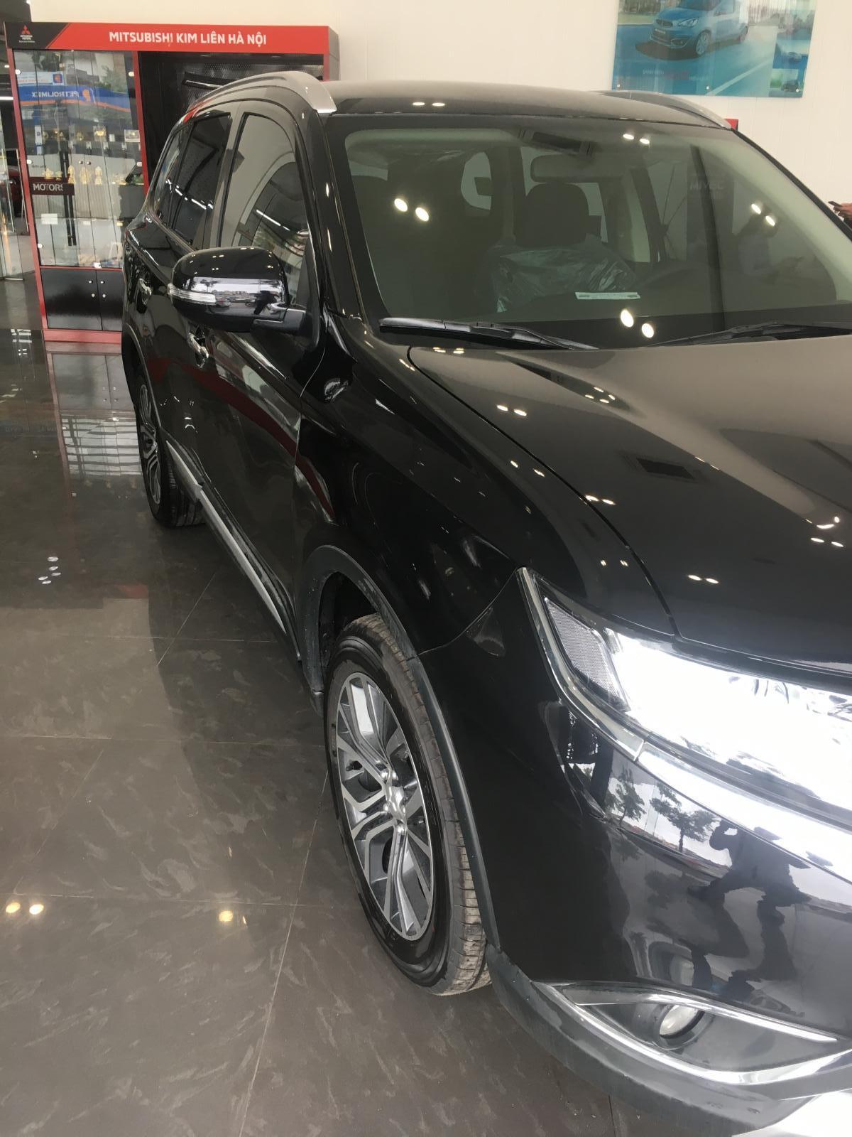 Mitsubishi Outlander 2.0 AT sx 2019 đủ màu, giao ngay. Liên hệ em Huy 098 2222 610 ngay để nhận giá tốt nhất