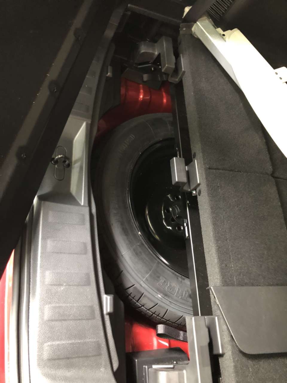 Bán Nissan Xtrail 2.5 SV 4WD màu đỏ, sản xuất 2018 model 2019, biển Hà Nội