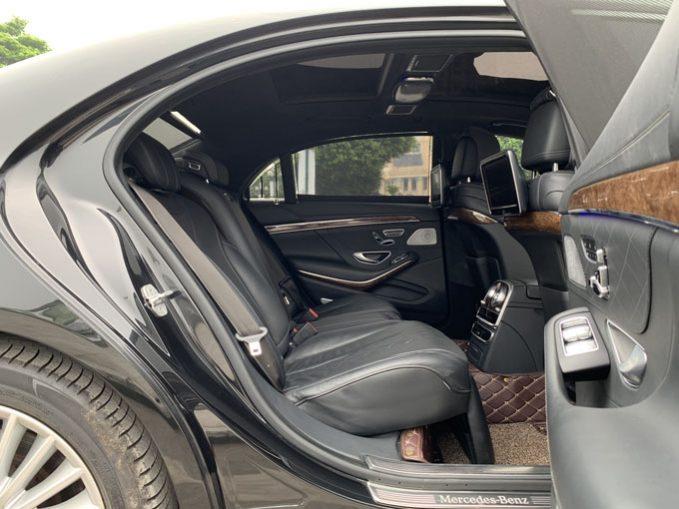 Cần bán xe Mercedes đời 2016, màu đen, xe nhập