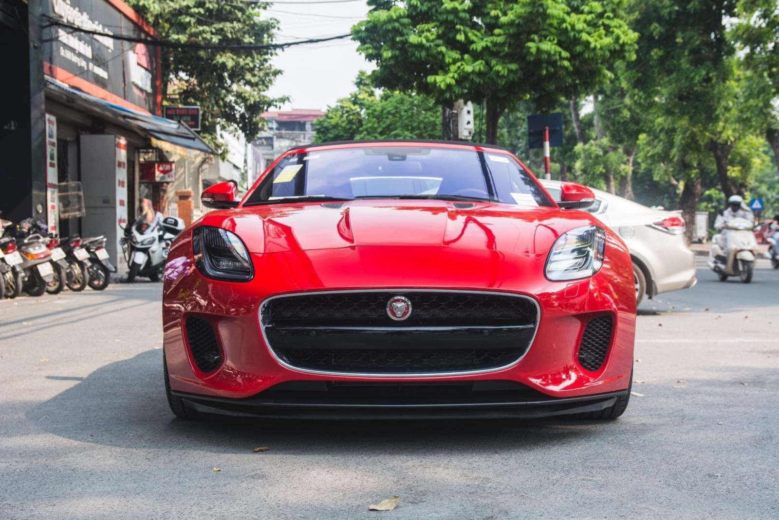 Cần bán Jaguar F Type đời 2018, màu đỏ, nhập khẩu nguyên chiếc