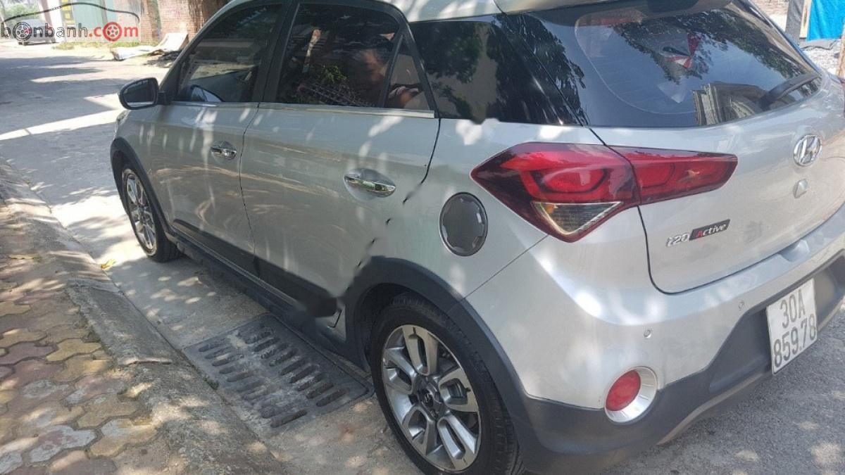 Cần bán xe Hyundai i20 Active đời 2015, màu bạc, nhập khẩu chính chủ