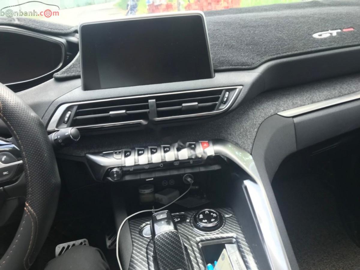 Cần bán Peugeot 3008 sản xuất năm 2018, màu trắng