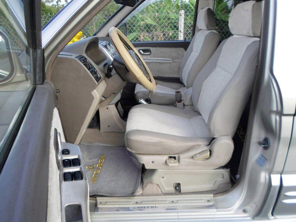 Bán Mitsubishi Jolie - 2.0-MPI-SS, SX cuối 2005, lăn bánh12/2006, đời cao nhất, mới như xe hãng, màu ghi xám (màu mới)