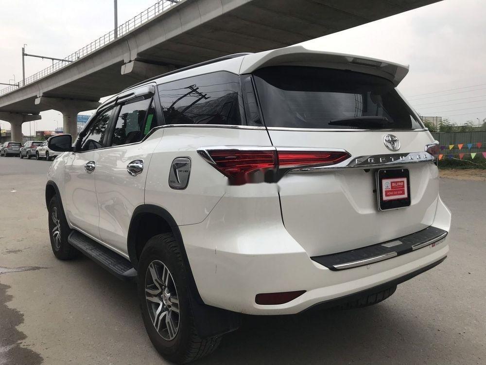 Bán ô tô Toyota Fortuner đời 2019, màu trắng xe nguyên bản
