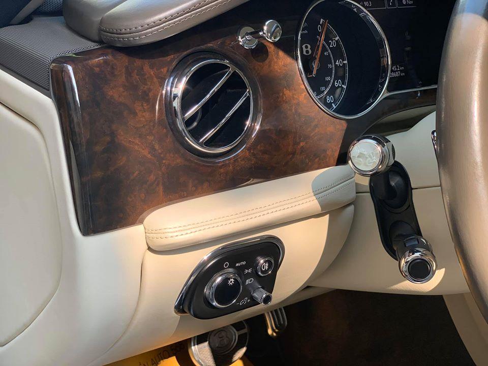 Xe Bentley Mulsanne 6.75 V8 đời 2010, màu trắng, nhập khẩu chính hãng