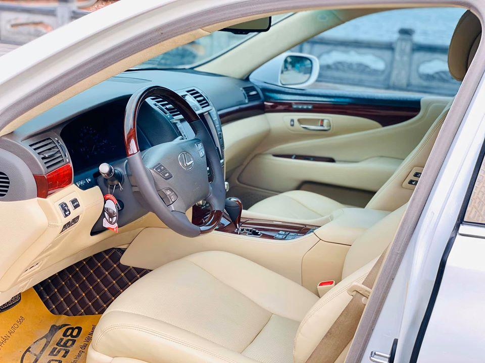 Bán Lexus LS 460L AWD sản xuất 2010, màu trắng, nhập khẩu chính hãng