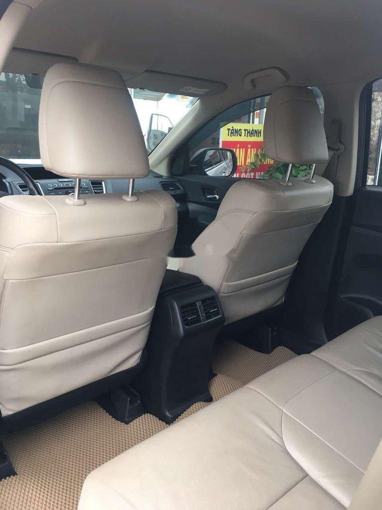 Cần bán lại xe Honda CR V 2.0 AT sản xuất năm 2015, màu bạc số tự động, giá chỉ 655 triệu