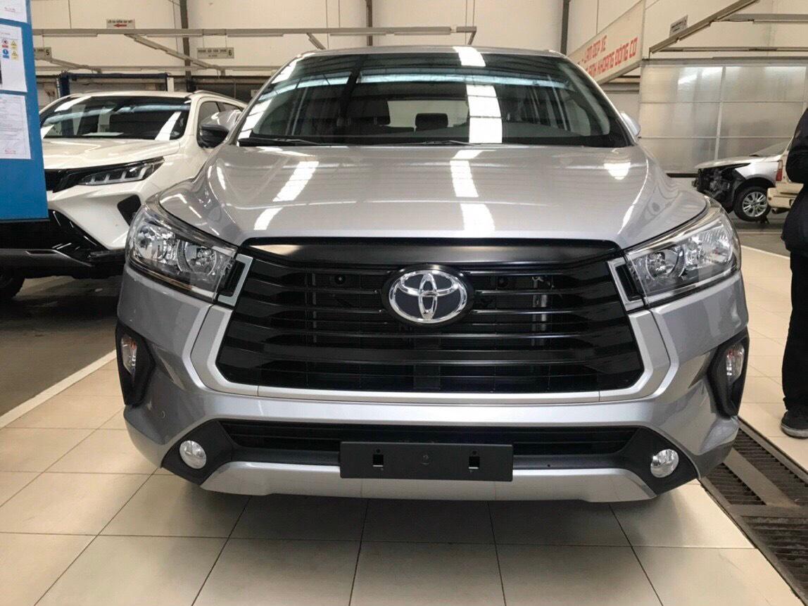 Cần bán xe Toyota Innova 2.0E đời 2021 | giá cực tốt