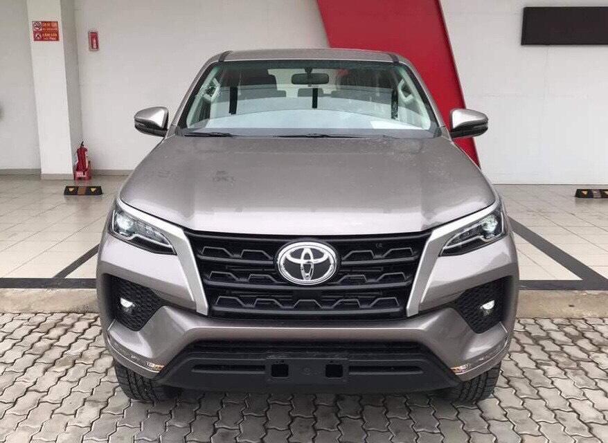 Bán ô tô Toyota Fortuner 2.4MT 4x2 đời 2020 | giá cực tốt