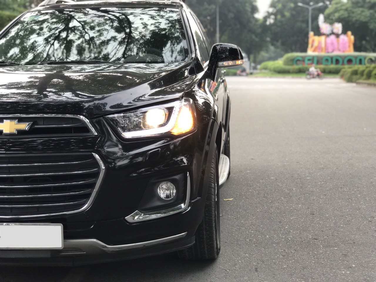 Cần bán Captiva LTZ Model 2018, màu đen 7 chổ số tự động