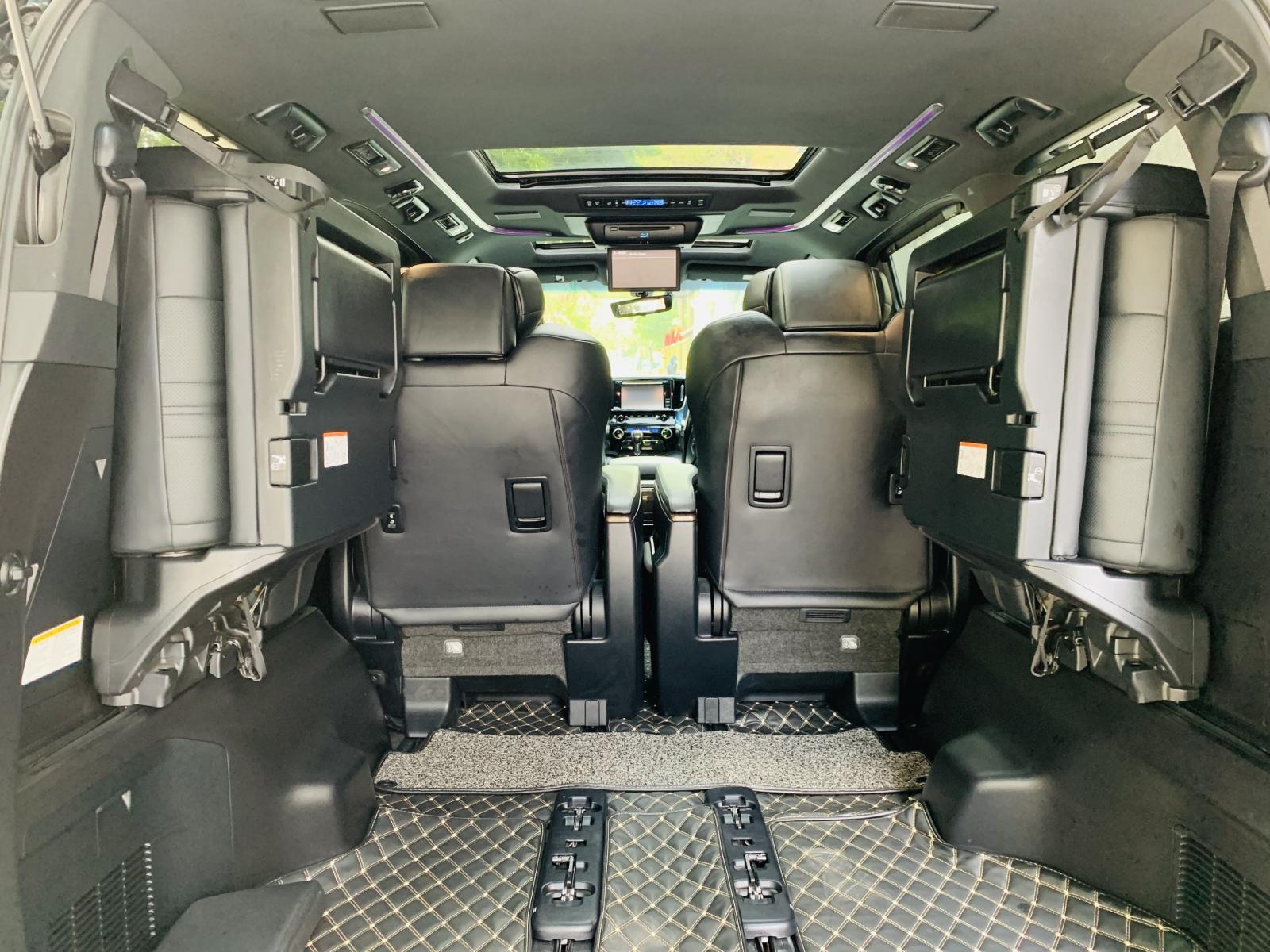 Cần bán gấp Toyota Alphard Executive Lounge đời 2019, màu đen, nhập khẩu chính hãng