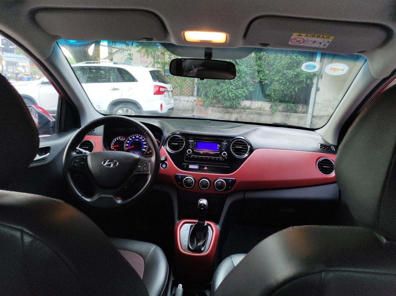 Không gian riêng đáng yêu - Xe 2016 Hyundai grand i10 đỏ may mắn