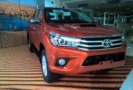Cần bán xe Toyota Hilux E đời 2017, màu trắng, giá chỉ 672 triệu giá 672 triệu tại Hà Nội
