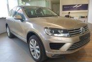 Bán Volkswagen Touareg sản xuất 2016, màu vàng, nhập khẩu nguyên chiếc giá 2 tỷ 499 tr tại Khánh Hòa