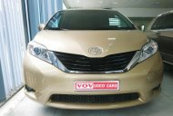 Bán Toyota Sienna 2.7LE model 2011, màu vàng cát giá 1 tỷ 420 tr tại Hà Nội