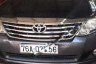 Gia đình bán Toyota Fortuner 2.7V 4x2 AT đời 2012, màu xám giá 670 triệu tại Quảng Ngãi