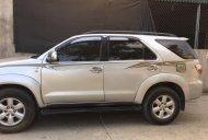 Cần bán xe Toyota Fortuner 2009 số sàn, máy dầu, màu bạc giá 612 triệu tại Tp.HCM