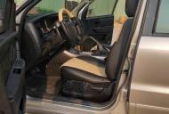 Bán xe Ford Escape đời 2010 màu vàng cát, 348 triệu giá 348 triệu tại Tp.HCM