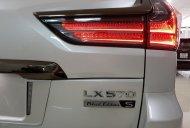 Bán Lexus LX 570 Black Edition S 2019 phiên bản giới hạn đời 2019, màu trắng giá 9 tỷ 700 tr tại Tp.HCM
