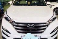 Cần bán Hyundai Tucson năm 2017, màu trắng giá 879 triệu tại Bình Dương