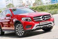 Bán xe Mercedes GLC 250 2019 mới, màu đỏ, vay trả góp 80% giá trị xe, LS 0.77%/tháng cố định 36 tháng giá 1 tỷ 989 tr tại Tp.HCM