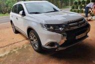 Cần bán gấp Mitsubishi Outlander 2018, xe còn mới và đẹp giá 870 triệu tại Đắk Nông