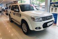 Cần bán Ford Everest 2.5 L số sàn đời 2014, màu trắng, giá cạnh tranh giá 619 triệu tại Tp.HCM