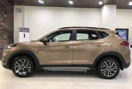 Cần bán xe Hyundai Tucson sản xuất 2019, màu vàng giá Giá thỏa thuận tại Tp.HCM
