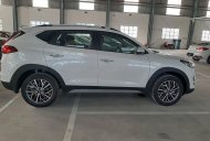Cần bán xe Hyundai Tucson năm 2019, màu trắng giá 784 triệu tại Tp.HCM