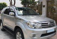 Bán Toyota Fortuner V 12/2010 màu bạc, xe gia đình chính chủ giá 478 triệu tại Tp.HCM