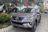 Cần bán Toyota Fortuner sản xuất năm 2019, màu xám giá 979 triệu tại Vĩnh Long