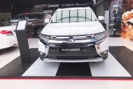 Cần bán xe Mitsubishi Outlander AT sản xuất 2019, màu trắng, xe nhập giá 807 triệu tại Quảng Nam