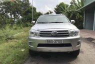 Bán Toyota Fortuner 2.7V 4x4 AT đời 2010, màu bạc số tự động giá 485 triệu tại Tiền Giang