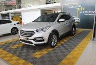 Cần bán lại xe Hyundai Santa Fe đời 2017, màu bạc giá 1 tỷ 6 tr tại Tp.HCM