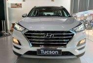Ưu đãi lớn - Nhận quà phụ kiện chính hãng khi mua xe Hyundai Tucson 2019, màu trắng  giá 907 triệu tại Hà Nội