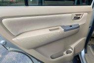 Cần bán lại xe Toyota Fortuner năm 2011, màu bạc số sàn xe còn mới lắm giá 585 triệu tại Sơn La