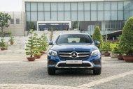 Xe hạng sang cho gia đình bạn - Mercedes GLC 200 đời 2020, màu xanh lam giá 1 tỷ 749 tr tại Tp.HCM