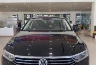 Cần bán xe Volkswagen Passat Comfort màu đen, xe nhập giảm trực tiếp 138 triệu giá 1 tỷ 380 tr tại Tp.HCM