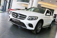 Bán ô tô Mercedes GLC 300 4Matic đời 2020, màu trắng, siêu sang giá 2 tỷ 239 tr tại Hà Nội